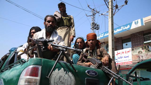 Талибы заживо сожгли молодую женщину за невкусную еду