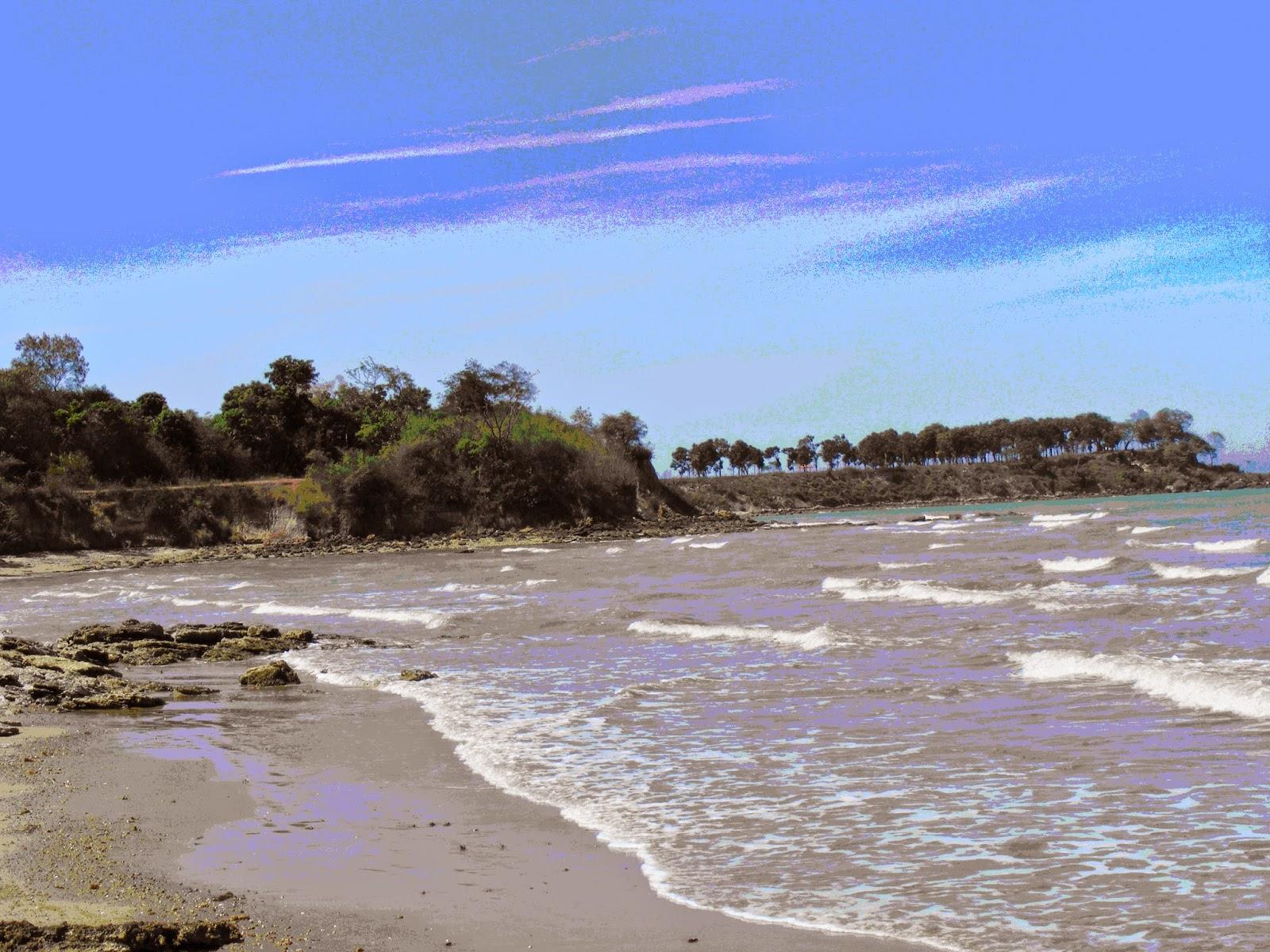 Tempat Wisata Pamekasan Pantai Jumiang
