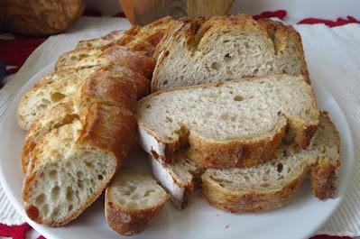 Atout, bread