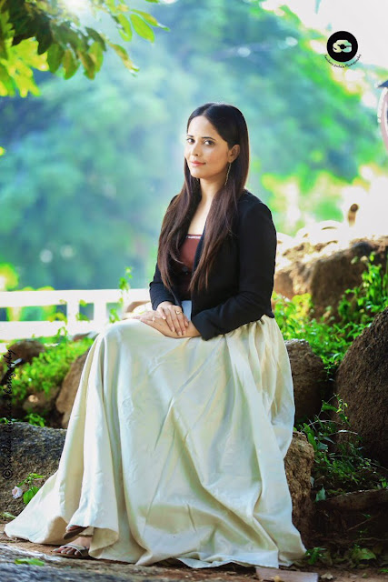 Anchor Anasuya Latest Hot Stills at Jabardasth