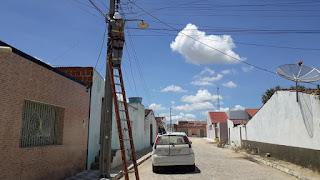 Prefeitura de Baraúna realiza manutenção nos postes de iluminação pública