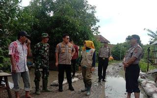 Kapolres Cirebon Kota Tinjau Langsung Lokasi Banjir