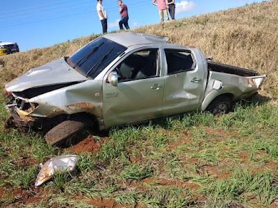 Capotamento na PRC-466 deixa motorista ferido