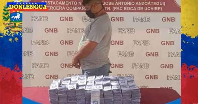 Detenido en Anzoátegui por llevar en su bolso 13.000 millones de bolívares en efectivo