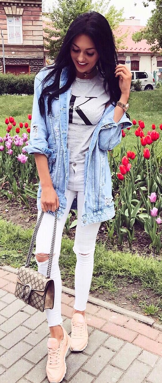 cool outfit idea: denim jacket + top + rips + bag