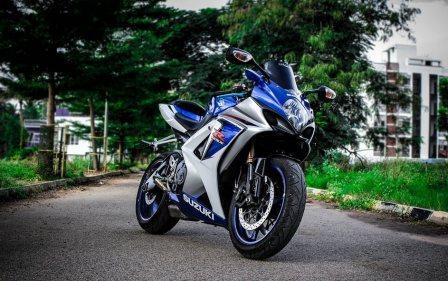 Daftar Lengkap Harga Motor Suzuki Semua Tipe Tahun 2020