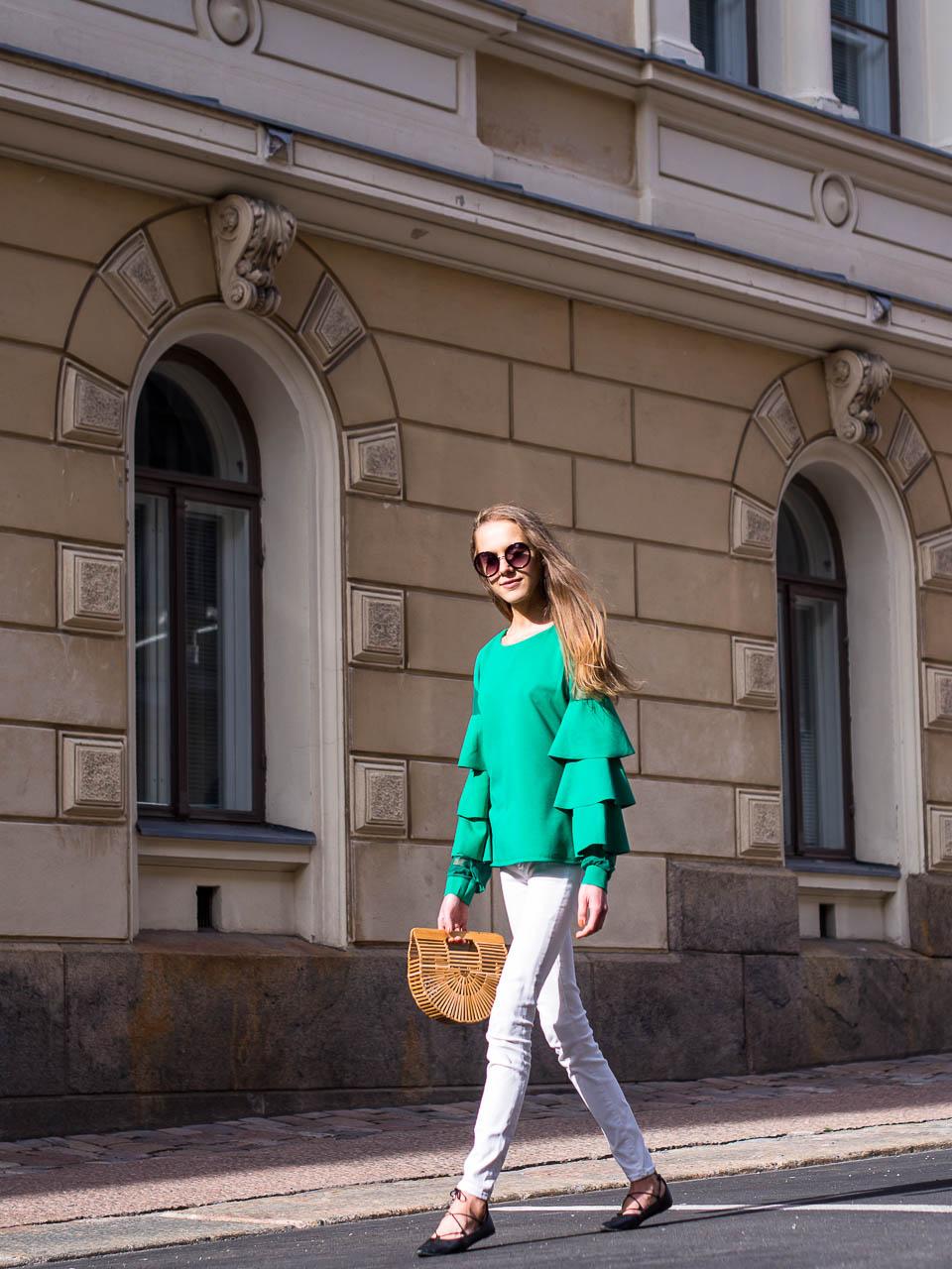 summer-fashion-trends-emerald-green-cult-gaia-handbag