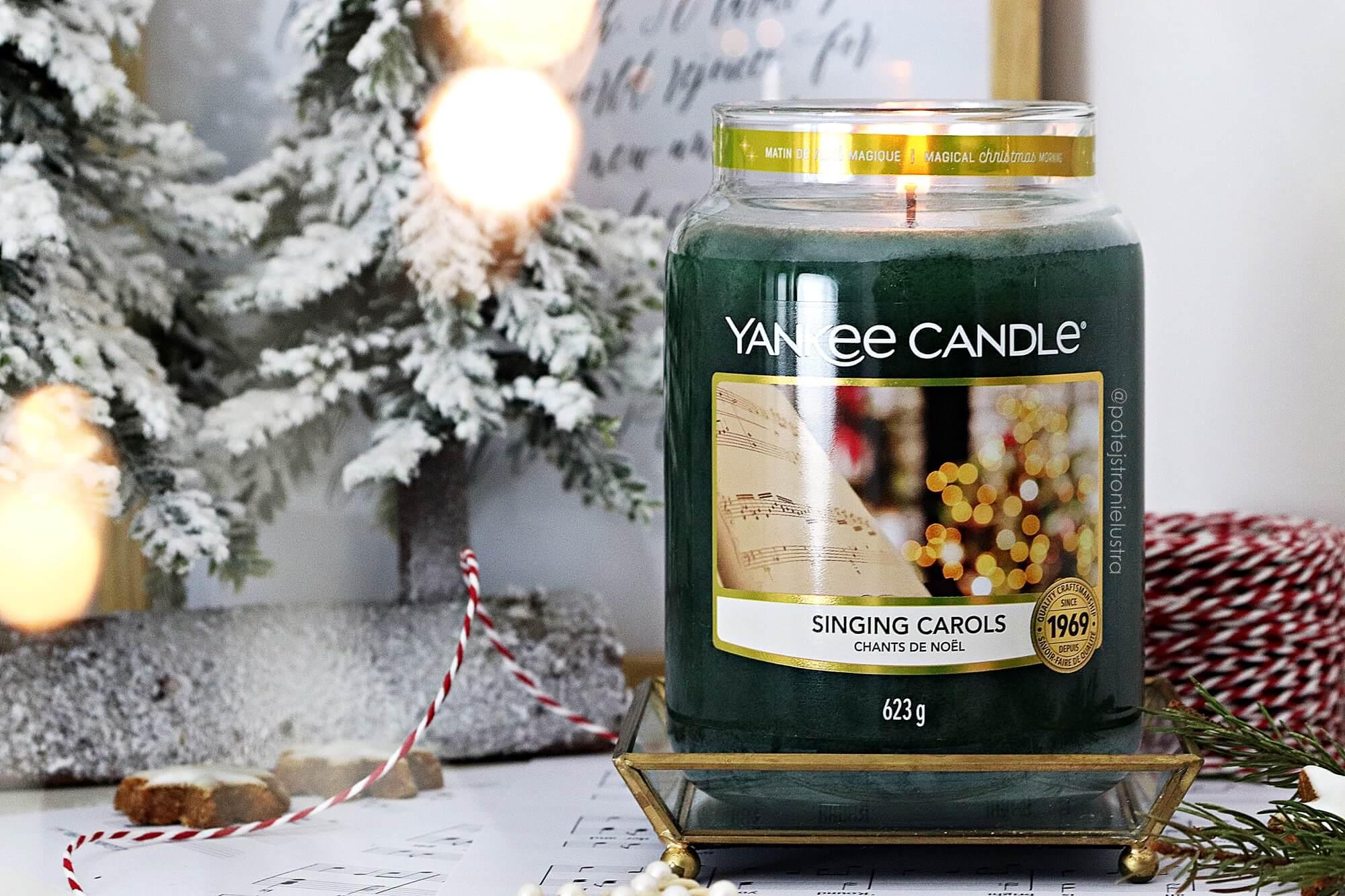 yankee candle singing carols dekoracja z dużą świecą