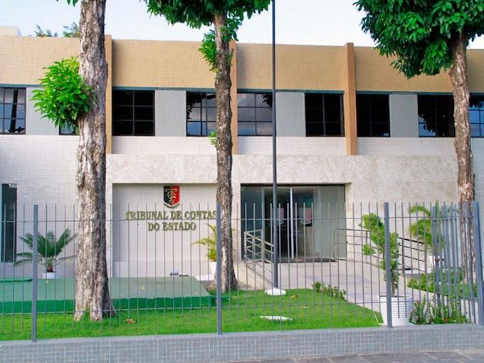 Ex-secretário de Educação da PB terá que devolver mais de R$ 150 mil aos cofres públicos, diz TCE
