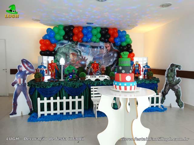 Decoração festa infantil - Aniversário masculino - Mesa tradicional luxo de tecido tema Vingadores