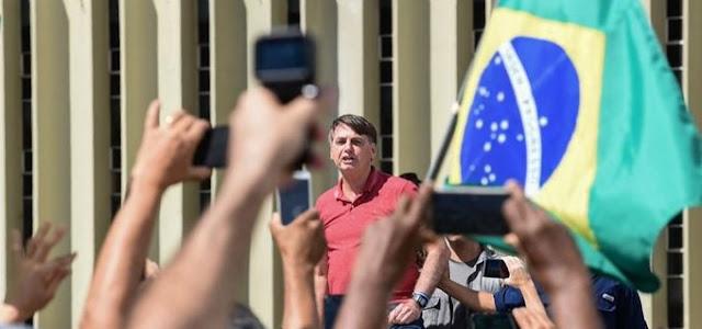 Bolsonaro reage ao golpe com o exército na retaguarda e o povo na proteção