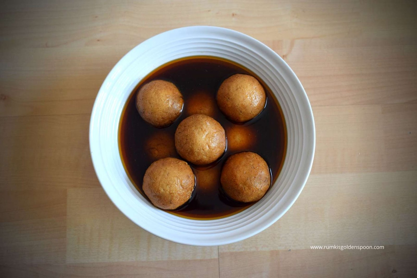 patali gur recipes, sweets with jaggery, jaggery sweet recipes, date palm jaggery recipes, rasgulla, gur rasgulla, rasgulla recipe, rosogolla, how to prepare rasgulla,bengali sweet,indian dessert recipe, Nolen Gur Rosogolla, Nolen Gurer Rosogolla, Rumki's Golden Spoon