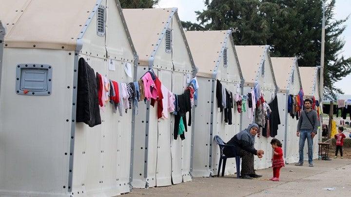 Εμείς Πληρώνουμε Τους Μετανάστες: Όλα Τα Στοιχεία Για Τις Συμβάσεις Σίτισης – Πόσο Μας Βαραίνει Ο Προσφυγικός Μποναμάς
