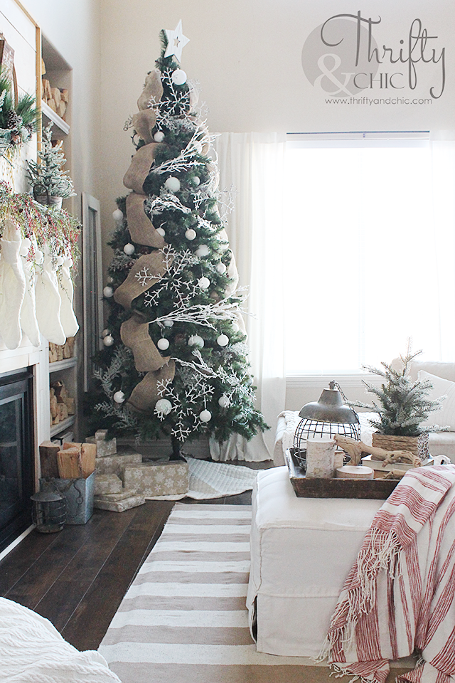 Farmhouse Christmas decor and decorating ideas Neutral