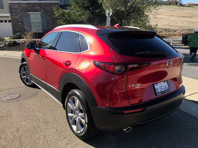 Rear 3/4 view of 2020 Mazda CX-30 Premium