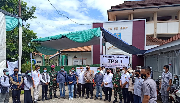 Kapolda Lampung Bersama Forkopimda Prov. Lampung Meninjau Langsung ke 4 Tempat TPS di Bandar Lampung