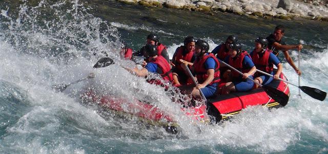 Esperienze Adrenalina - Rafting - Travel Blog Viaggynfo
