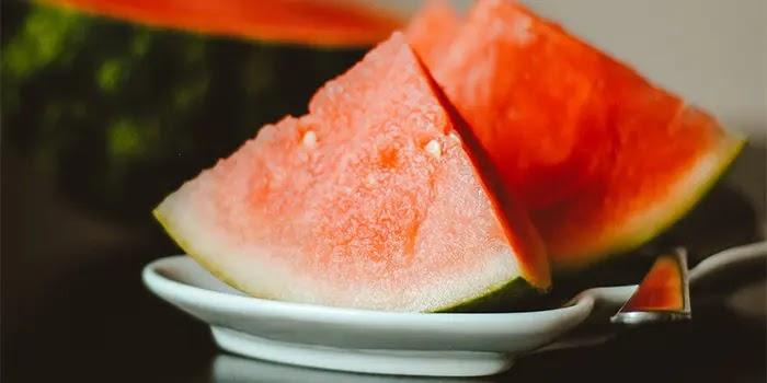 konsumsi semangka dapat membantu menurunkan tekanan darah tinggi
