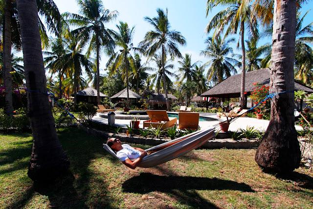 Tumbado en una hamaca del hotel Trawangan Oasis (Gili Trawangan)