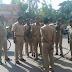 बेखौफ बदमाशों ने पुलिस के सामने ई रिक्शा चालक को गोली मारी