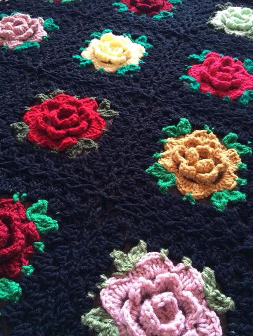 Rose Granny Square - Free Pattern