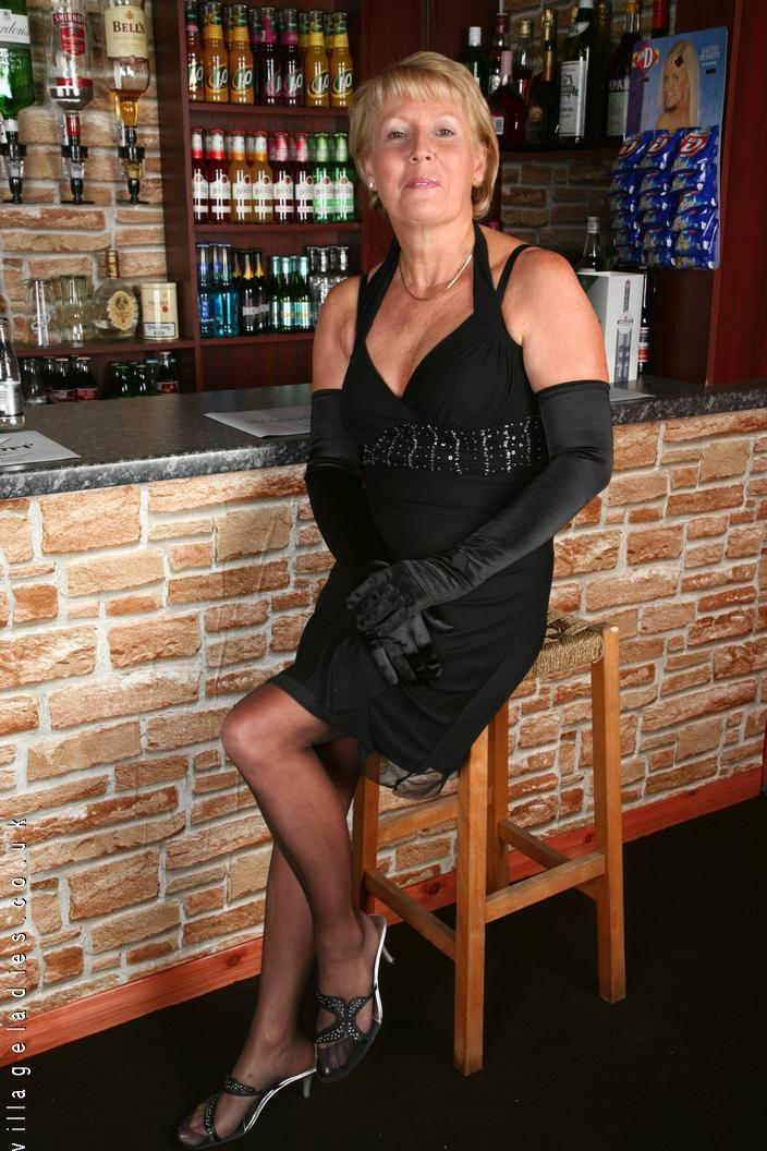 Kelly Village Ladies Uk