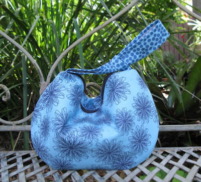 Retro Reticule crafted by Pam @ Threading My Way