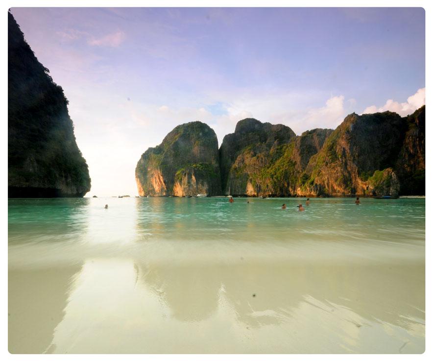 Long Beach Koh Phi Phi: Thailand (Bangkok, Koh Phi Phi) And Singapore
