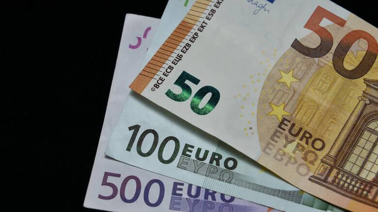 Επίδομα 800 ευρώ: Πότε μπαίνουν στους λογαριασμούς τα λεφτά