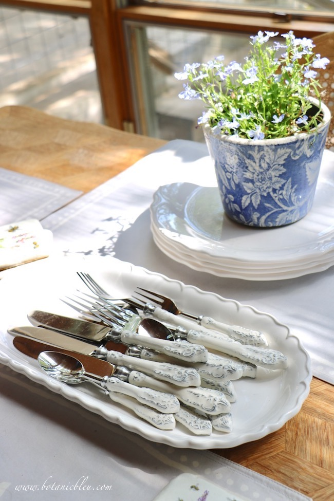 French Country Everyday Table Setting is beautiful in its simplicity