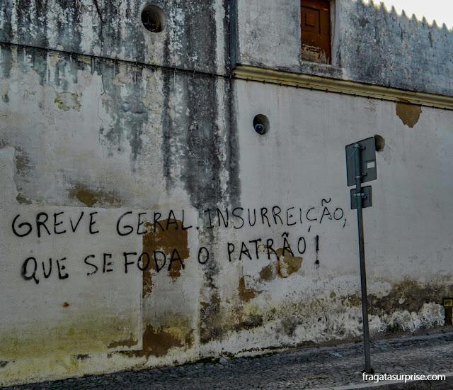 Crise europeia - grafite de protesto em Évora, Portugal