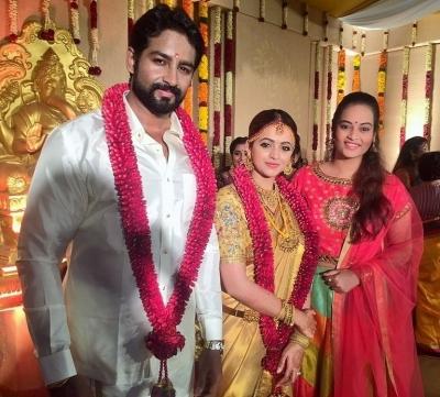 wedding-an-intimate-affair-for-actress-Bhavana