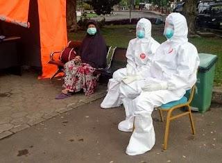 Tenaga Medis dan Paramedis RSUD Berkah Kabupaten Pandeglang 24 Jam Memakai APD lengkap