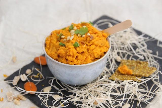 Cuillère et saladier : Tartinade carotte, gingembre, orange et cacahuète (vegan)