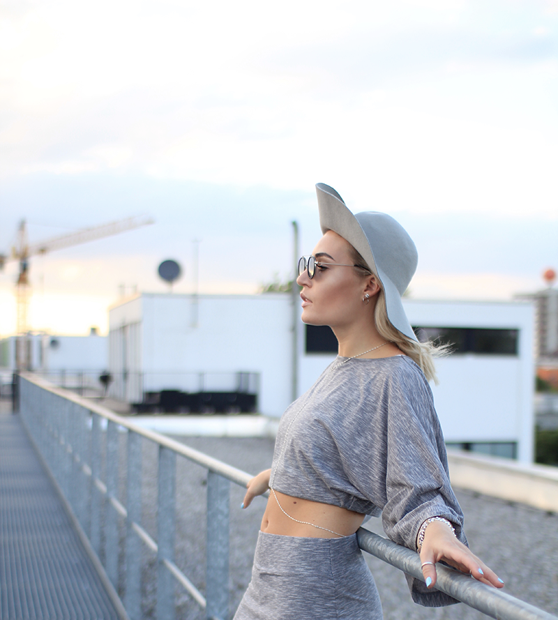 ootd-Outfit-Modeblog-Fashionblog-Blogger-Munich-Muenchen-Ennapauluk-Streetstyle-Look-Style-Mode-Fashion-Blog-Sundowner-Lauralamode-Modeblog Deutschland