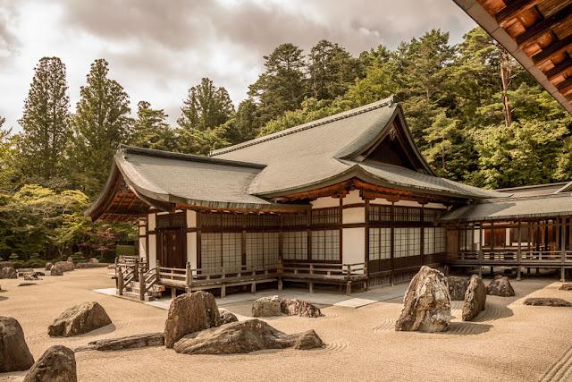 Templo Kongobuji :: Canon EOS5D MkIII   ISO100   Canon 24-105@24mm   f/5.0   1/320s
