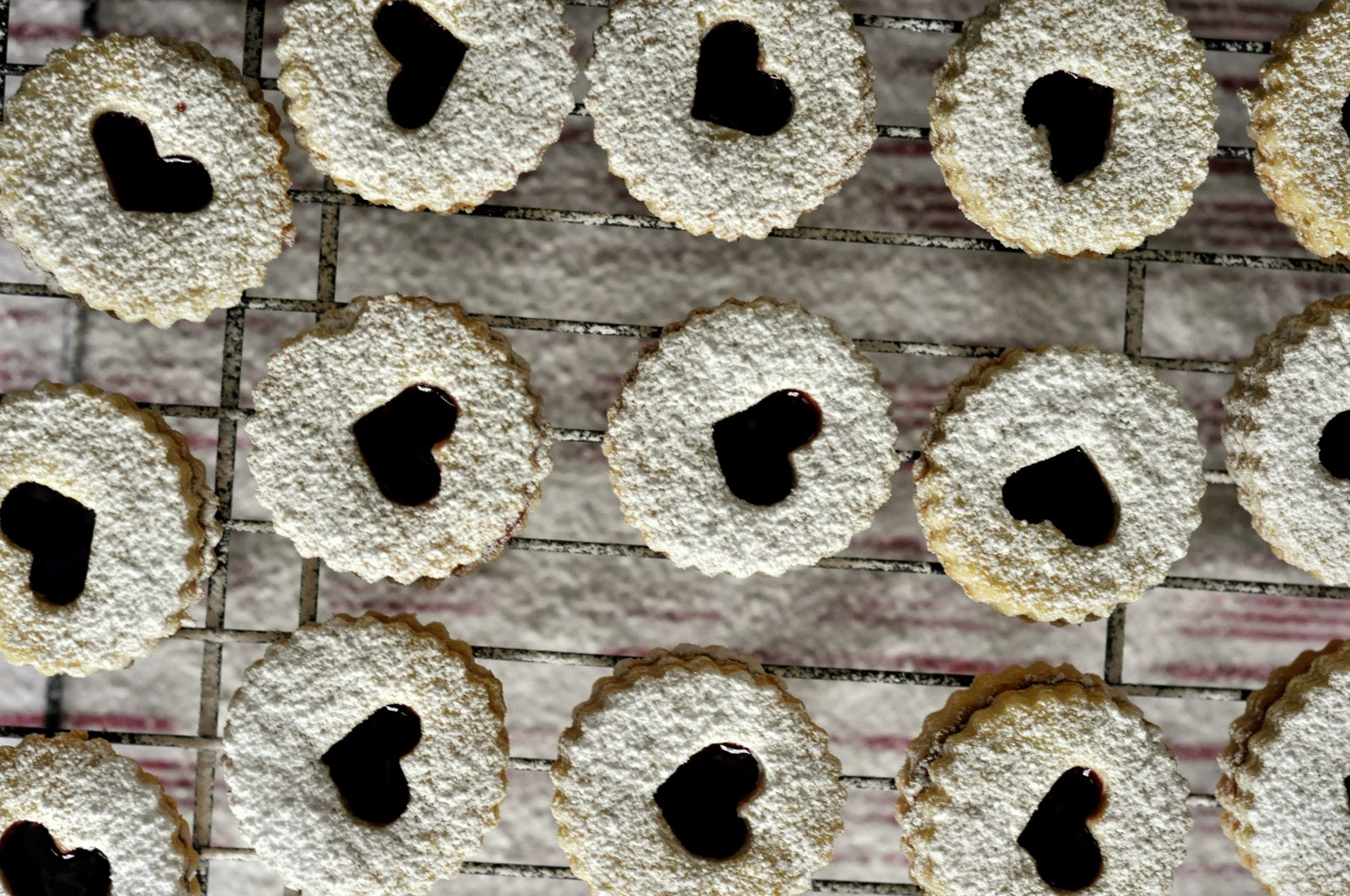 Valentines-Day-Linzer-Cookies-tasteasyougo.com