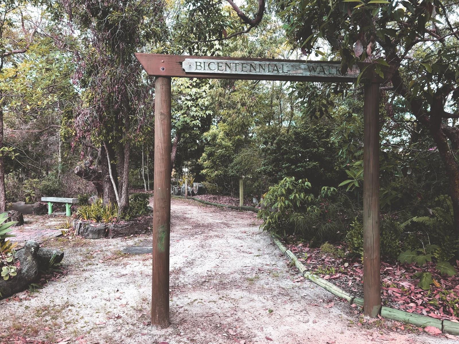 Bicenntenial Walk na Bribie Island, wejście do parku