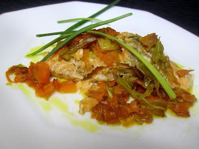 Salmón en papillotte con verduras