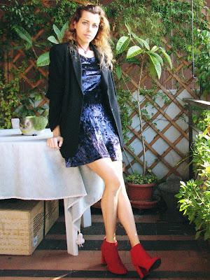 https://s-fashion-avenue.blogspot.com/2020/02/ootd-wearing-velvet-casually.html