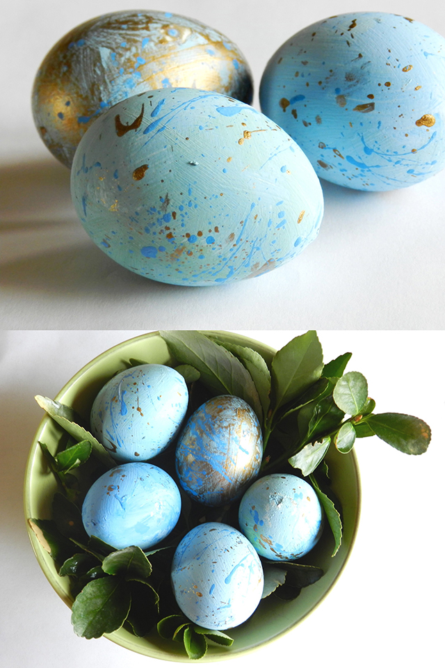 Speckled Blue and Gold Easter Eggs DIY