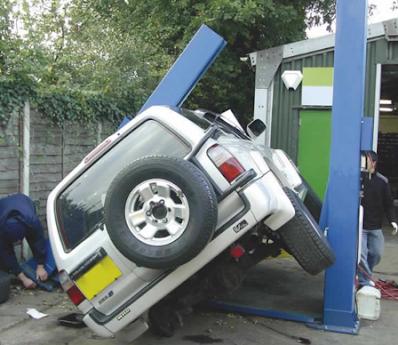 tai nạn cầu nâng