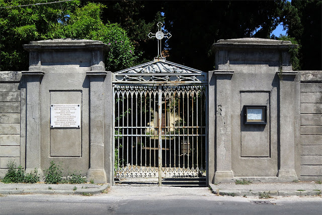 Entrance of the Greek Orthodox Cemetery, Via Mastacchi, Livorno