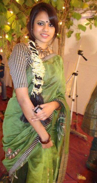 Bangladeshi Meyeder Modern Pose ((((: Bangladeshi Meyeder Mela