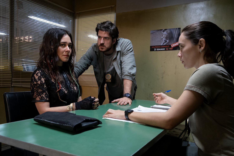 Eric y Marcia interrogan a la Cuca en Ciudad Invisible