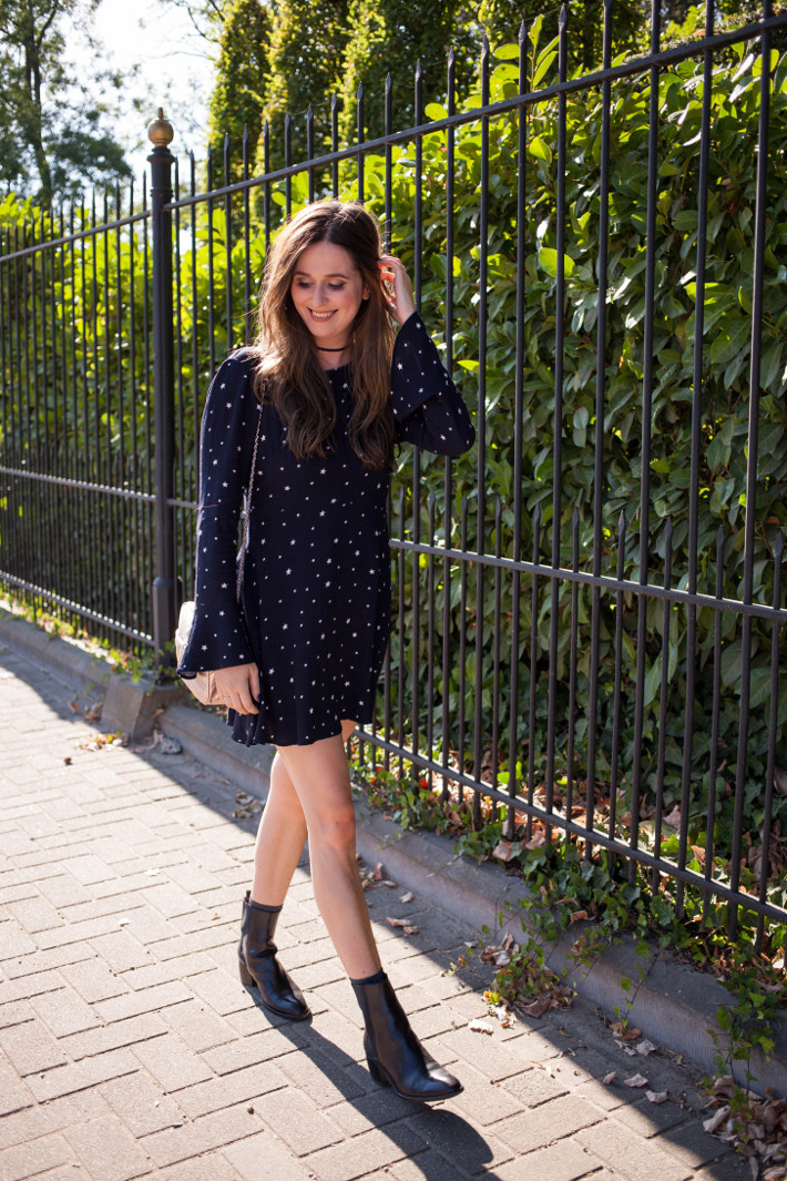 Outfit: witchy vibes in star print dress