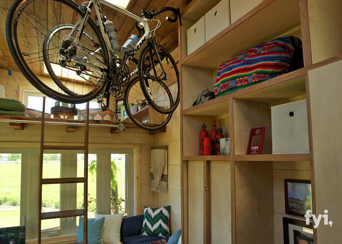 Tiny House Nation: Reinventing The Bicycle Wheel (S2, E15) | FYI