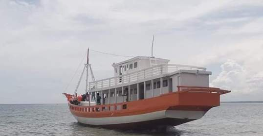 Pemkab Kep. Selayar, Luncurkan Kapal Baru Untuk Pariwisata