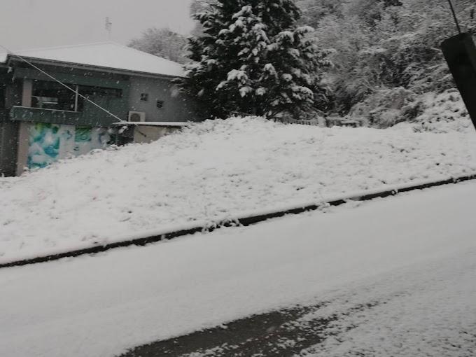 Στολίστηκε από χιόνι πρωί-πρωί η πόλη της Βέροιας