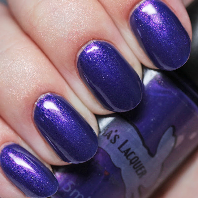 Leesha's Lacquer By the Bonfire